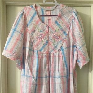 Plus size pink, blue, white housecoat/lounger